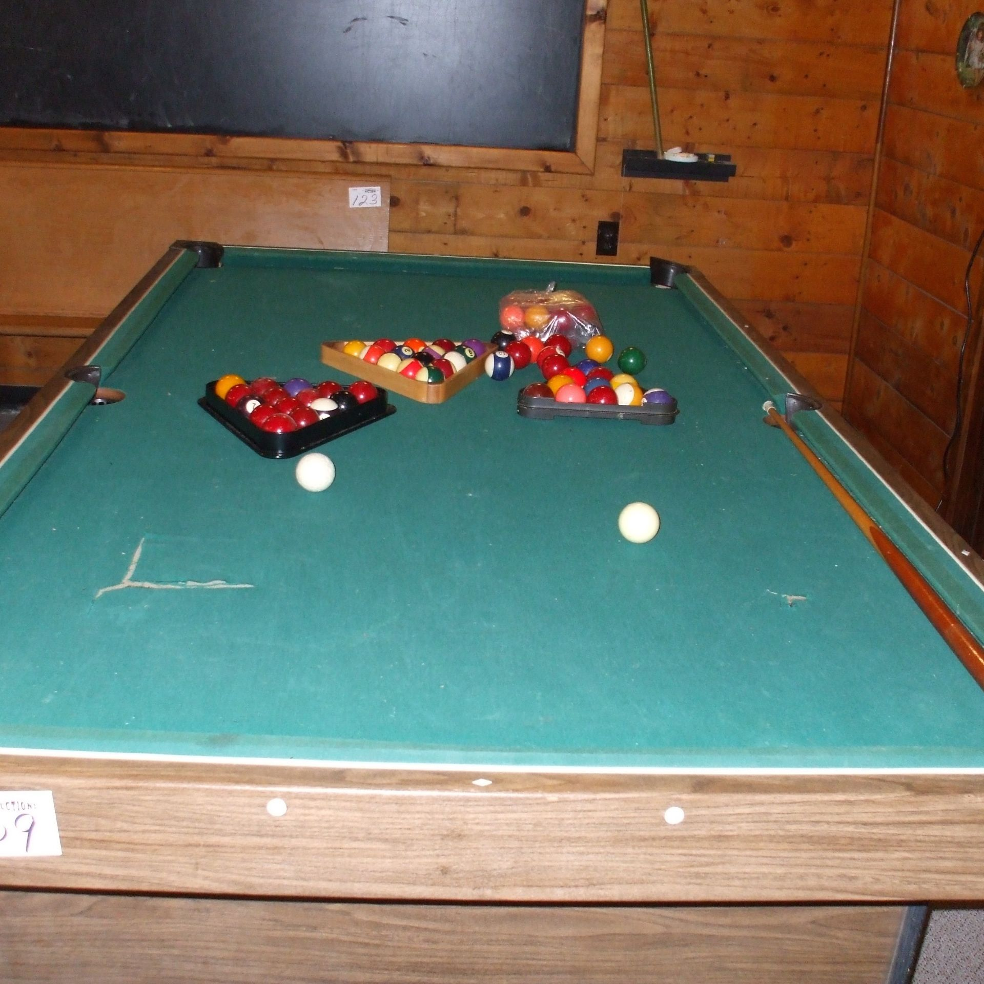 Pool table, balls & cues - Image 3 of 4