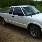 2001 Chev S10 pickup, 300,000 km sn: 1GCCS19W718213650
