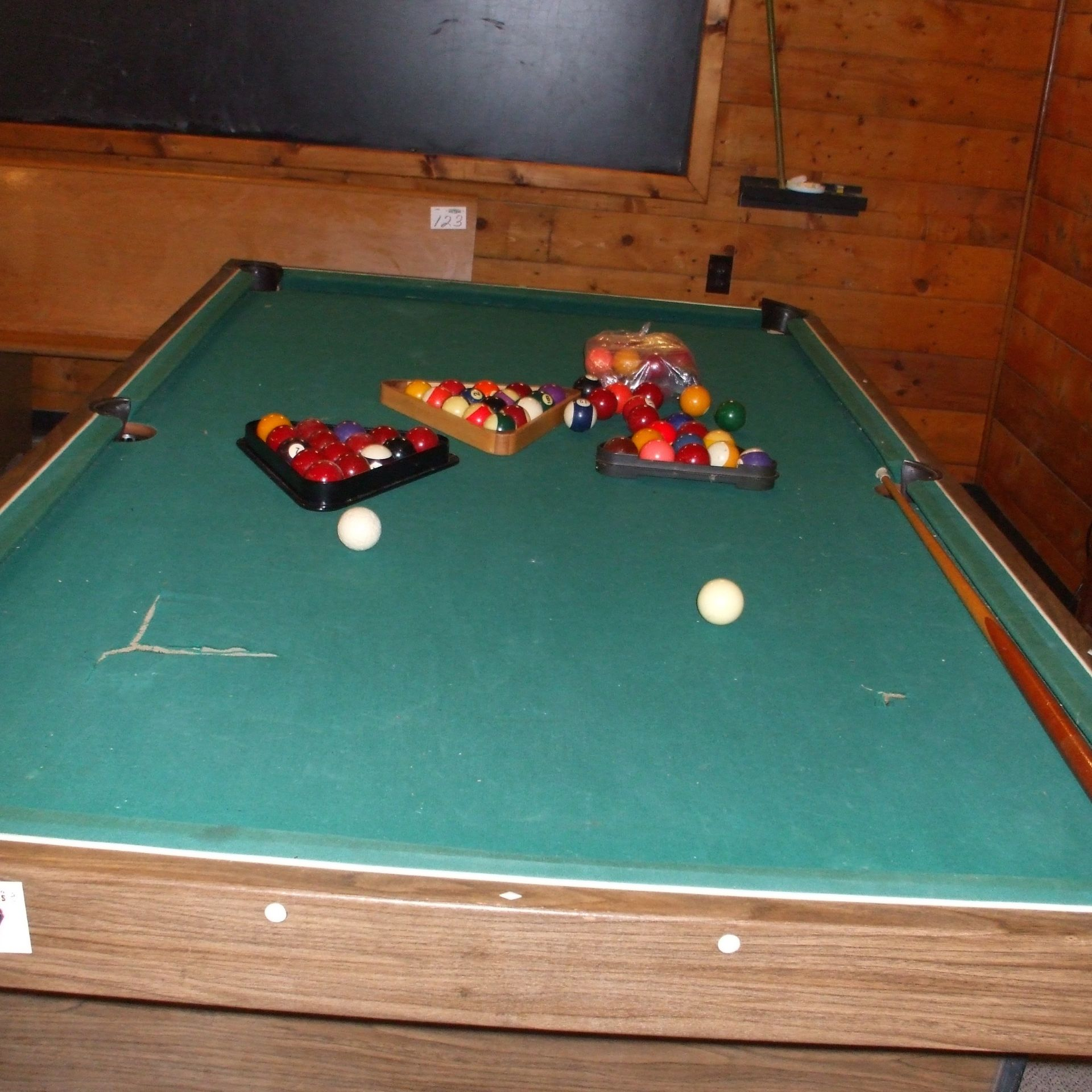 Pool table, balls & cues - Image 2 of 4