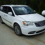 2014 Chrysler Town & Country Van, fully loaded, white, 282453 km
