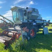 Gleaner M Combine, Diesel SN: 8665-75