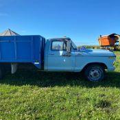 Ford F-350 - 1979, Blue, Steel Box, Wood Floor, Hoist 50927Km SN: F37SCDHO967