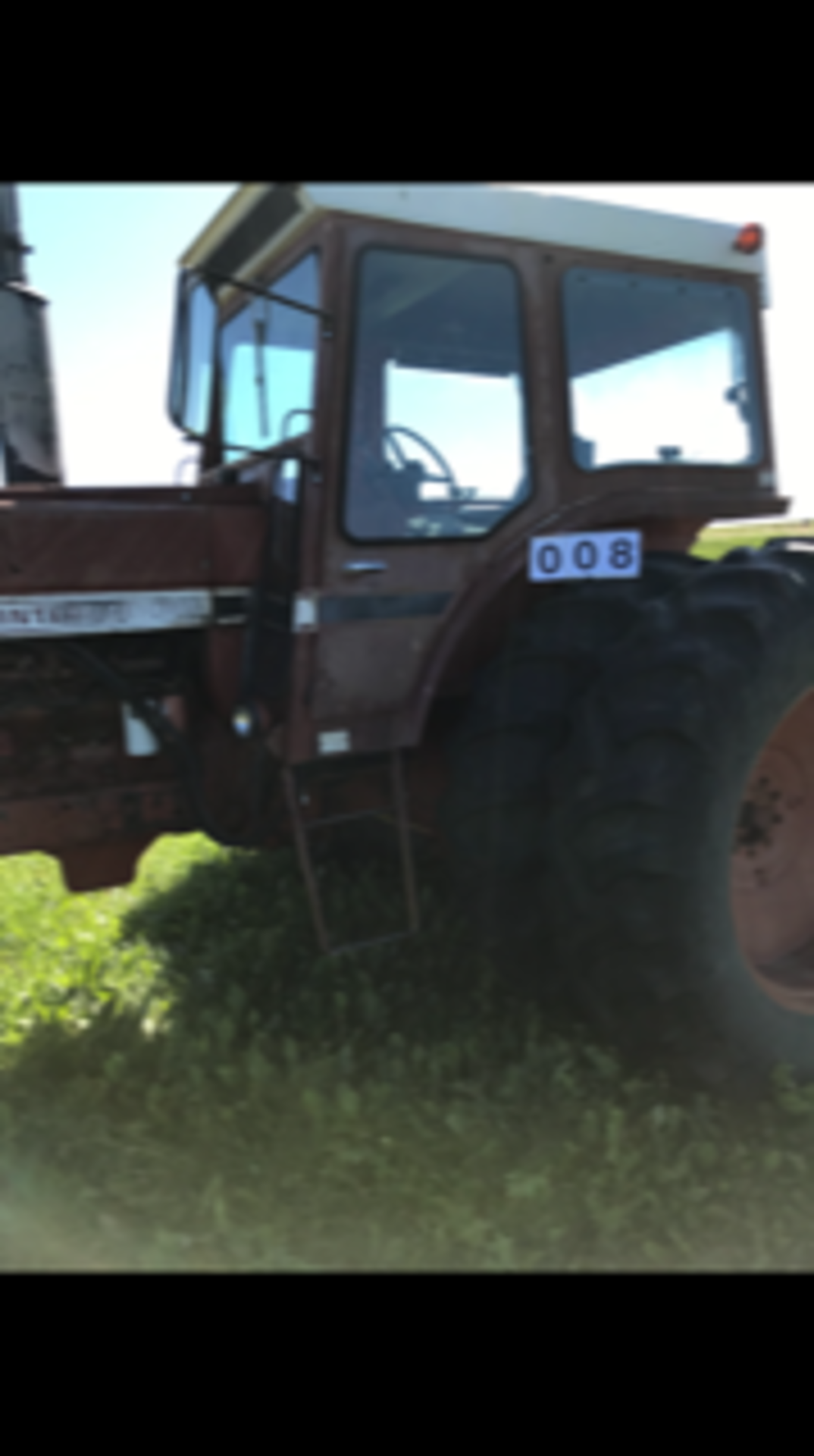 IHC 1466 Tractor, cab,540 - 1000 pto, 6979 hrs. showing sn:2650134U030334