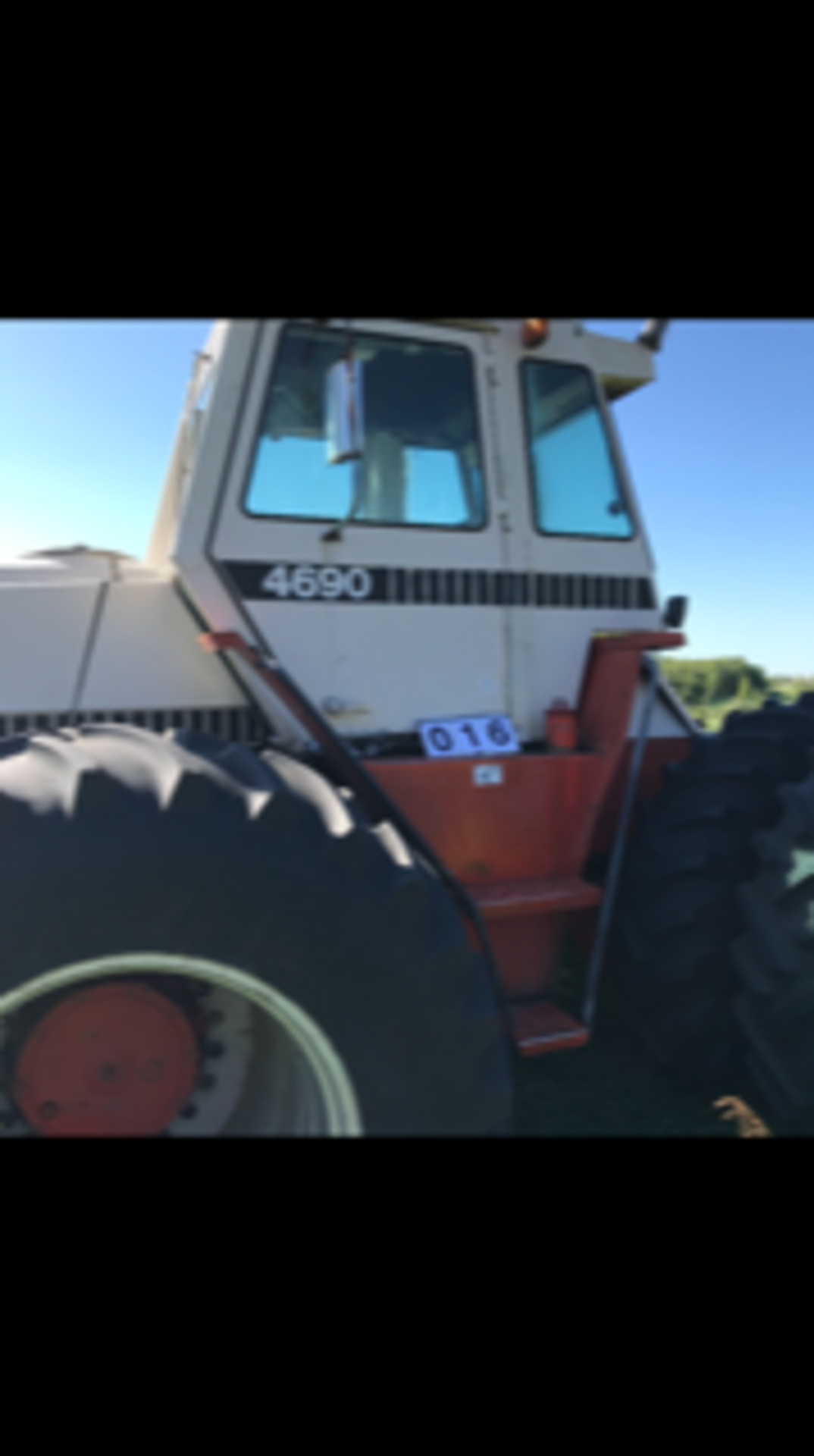 1984 Case Tractor 4690, 4wd, 5683 hrs showing sn: 10259565