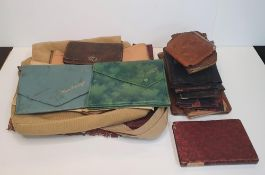 Large quantity of vintage leather items to include wallets & bags etc (Qty)