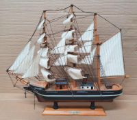20thC detailed model of Shackletons Discovery on wood plinth, The model measures approx 45 x 51 cm
