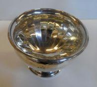 Stylish silver circular bowl, Birmingham 1929, 245 grams The bowl measures 14cm in diameter x 11