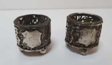 Pair of small Chinese hallmarked silver salts with liners (2)
