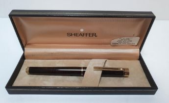 Cased Sheaffer fountain pen with 14ct nib