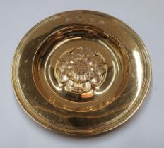 Hallmarked silver gilt, 1963 circular dish embossed with an English rose by Hickleton & Phillips 141