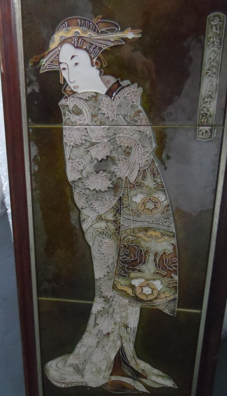 Signed 3-tiled Japanese geisha girl, in thin wood frame, 64 x 24 cm - Image 2 of 5