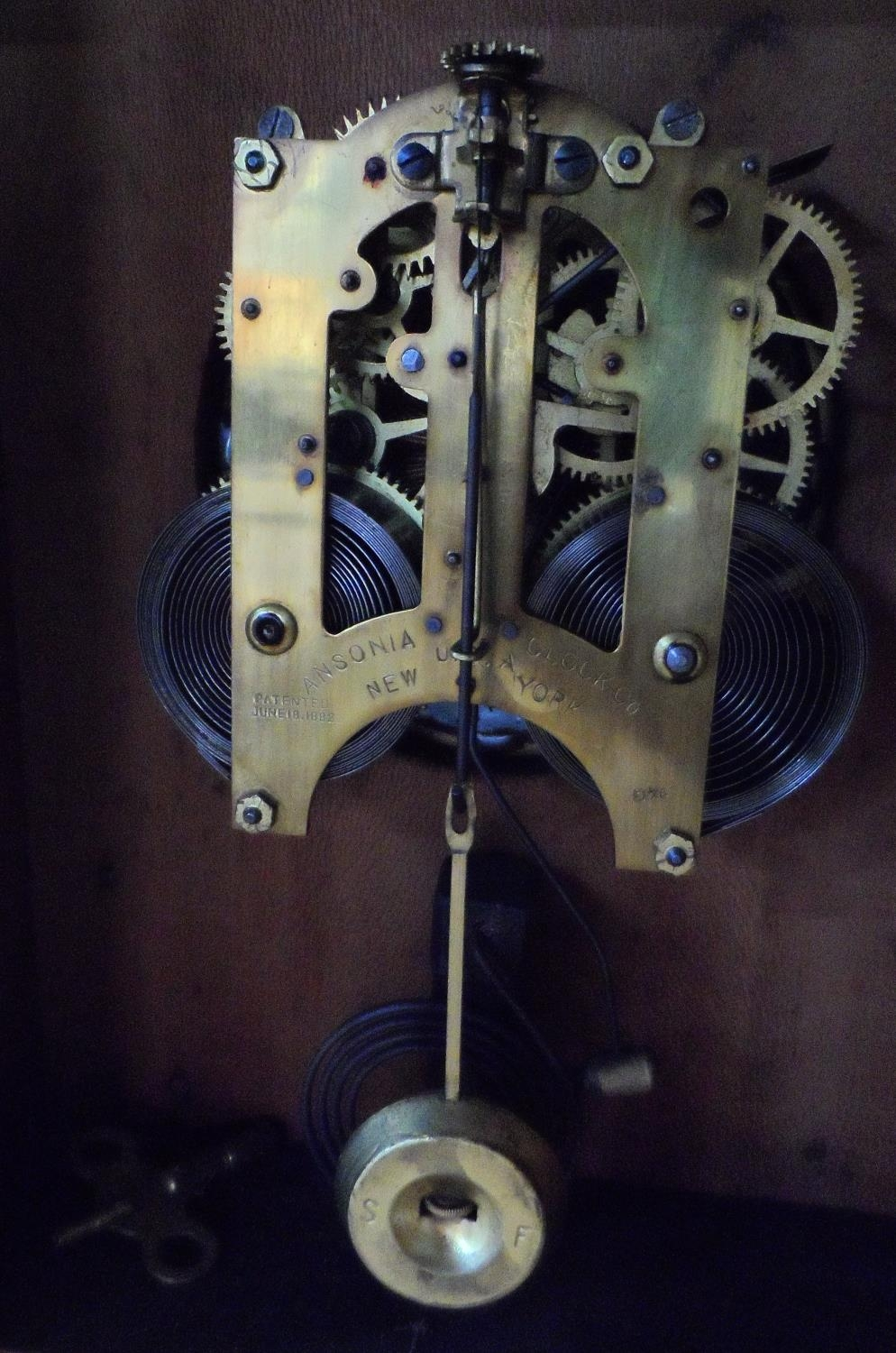Ansonia Clock Co Eight Day Syria Mantel Clock with key - Image 4 of 7