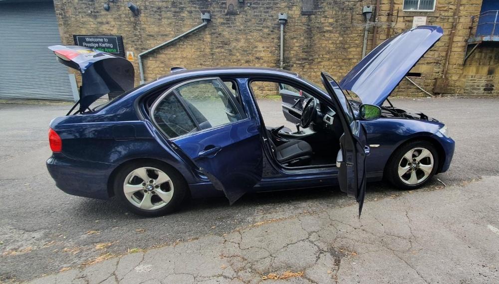 BMW 320d Efficientdynamics, 4 door, 2 litre Diesel in Blue, MOT-Jan 22 134331 miles comes with V5. - Image 5 of 11