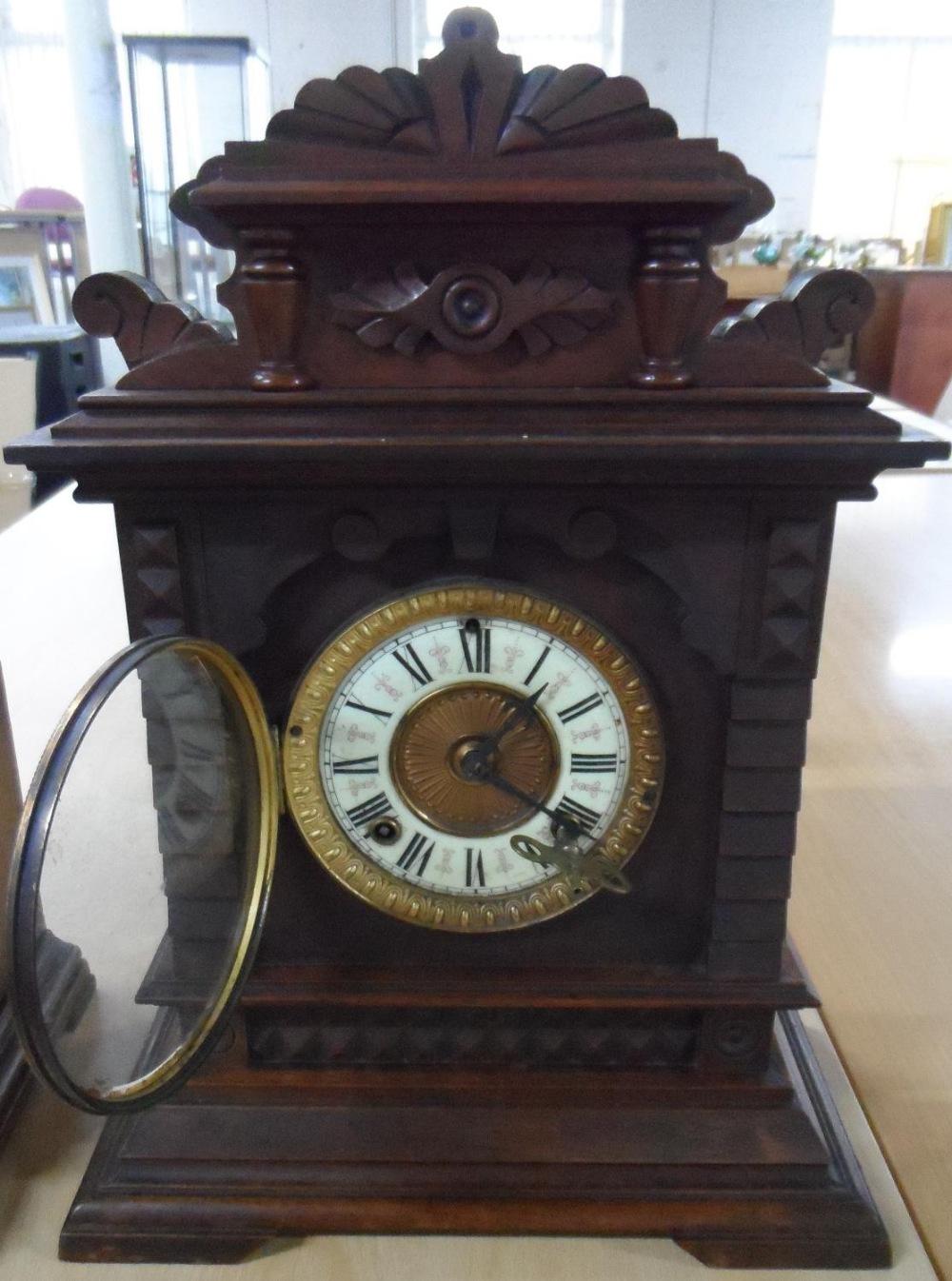 Ansonia Clock Co Eight Day Syria Mantel Clock with key