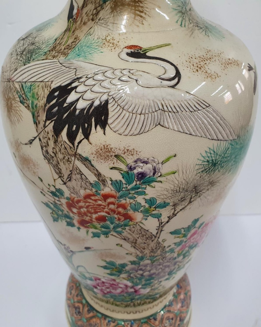 Large, Vintage, signed, Asian vase decorated with storks and foliage, 48 cm tall - Image 2 of 5