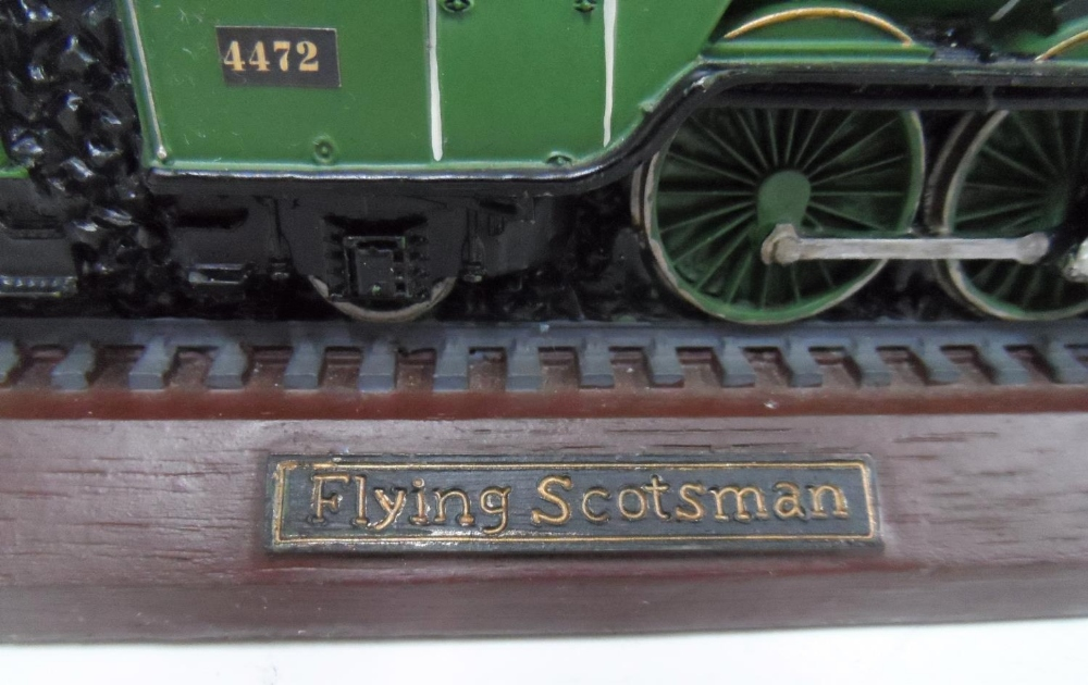 Made from British coal is this hand-painted model of the Flying Scotsman, 30 cm long - Image 2 of 5
