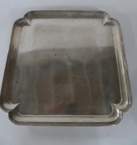 Large silver tray on 4 legs, London 1927 made by Goldsmiths & silversmiths Co, London, 1000 grams 30