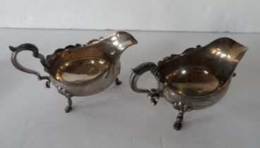 Pair of silver sauce boats, London 1901 (2), 370 grams