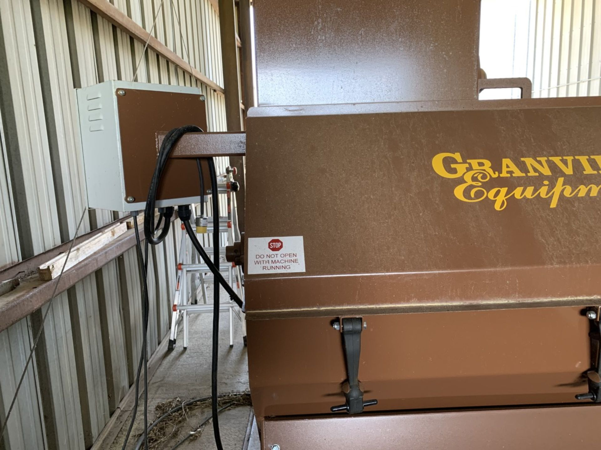 Used Granville Hemp Flower Extractor Includes: Hemp Flower Extractor w/ Vacuum & Conveying System - Image 4 of 17