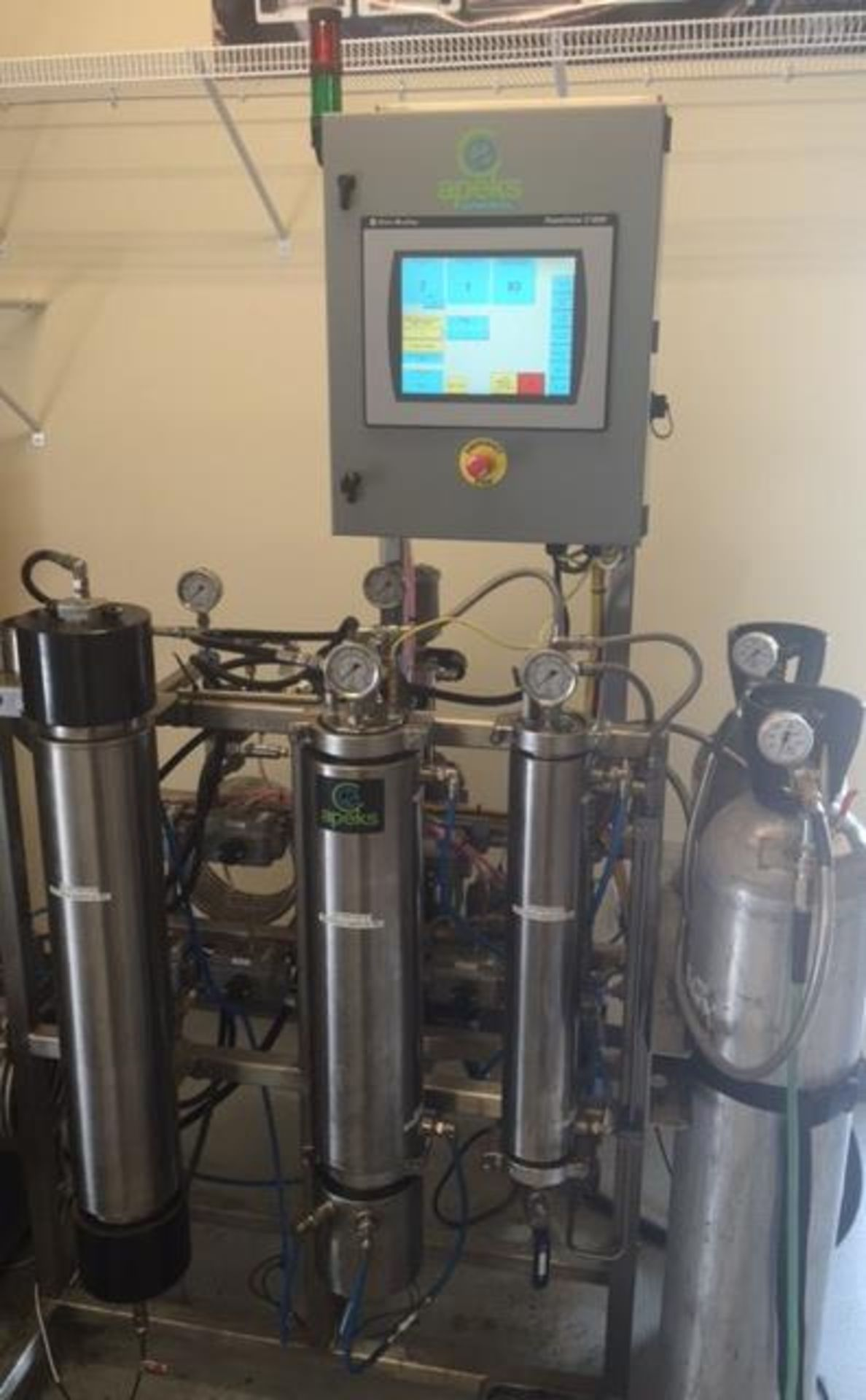 Used-Apeks 2x 5L 5000 PSI 5L Extraction System. Holds up to 3 lbs of dry/ground material - Image 3 of 6