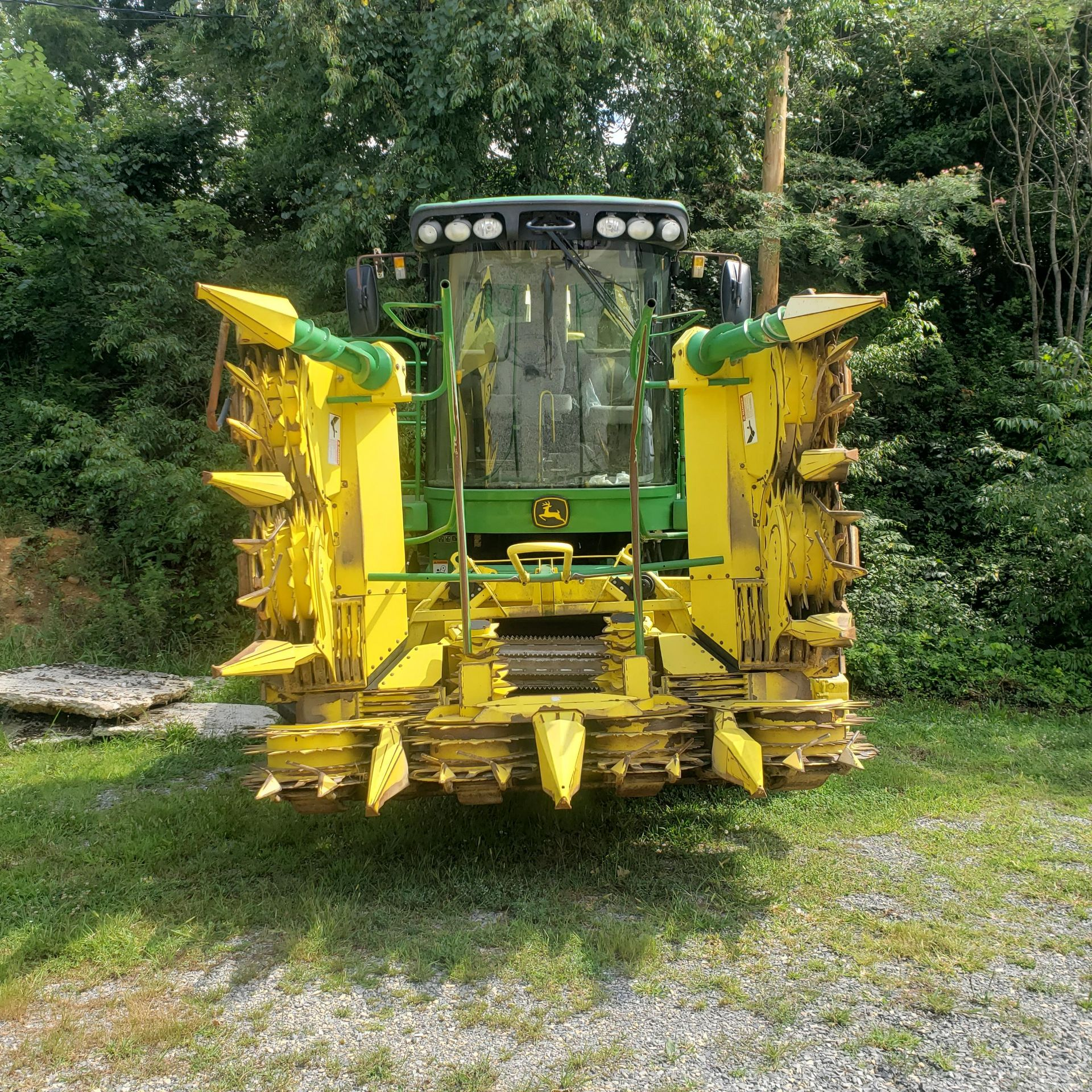 Used-John Deere 7450 Tractor. Model 7450. 1881 hrs. 688 Chopper Head - Image 4 of 10