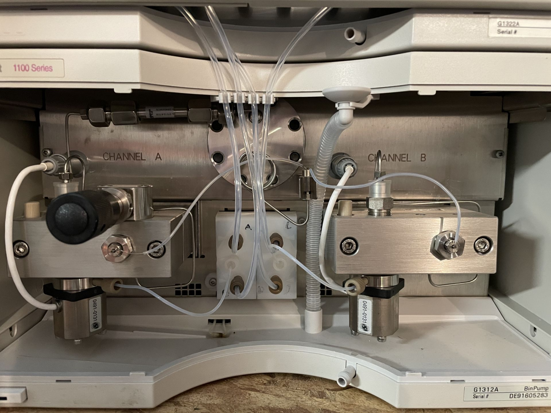Used Agilent 1100 HPLC. Model 1100. Fully complete & functional cannabinoid potency testing system. - Image 5 of 22