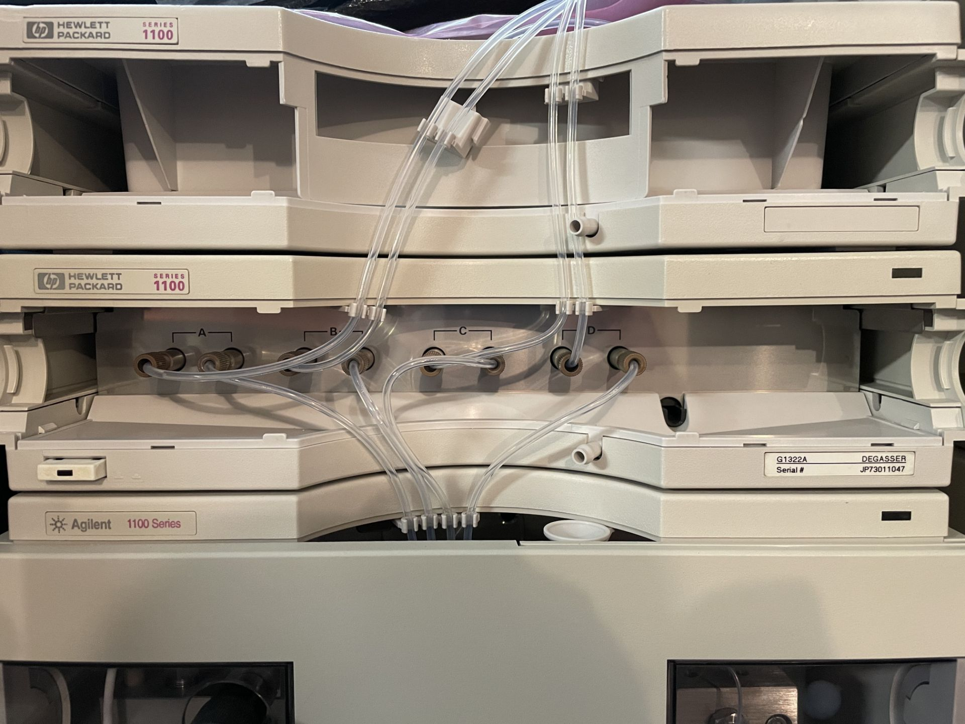 Used Agilent 1100 HPLC. Model 1100. Fully complete & functional cannabinoid potency testing system. - Image 3 of 22