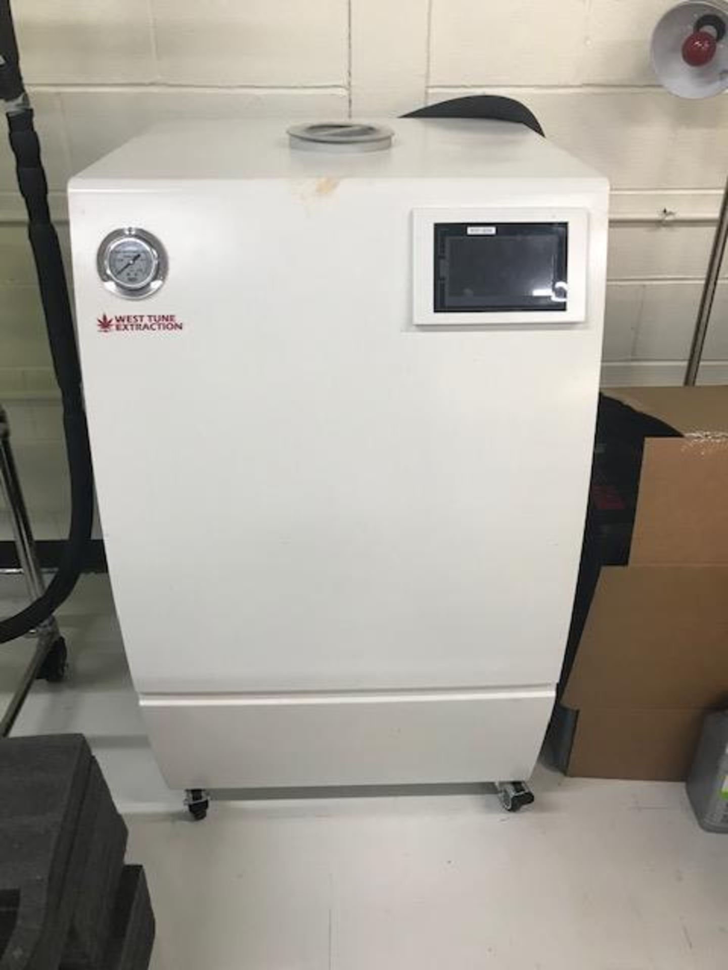 Used-West Tune WTCP-4030 Rapid Cooling Recirculating Laboratory Water Chiller w/ 20L/min Pump.