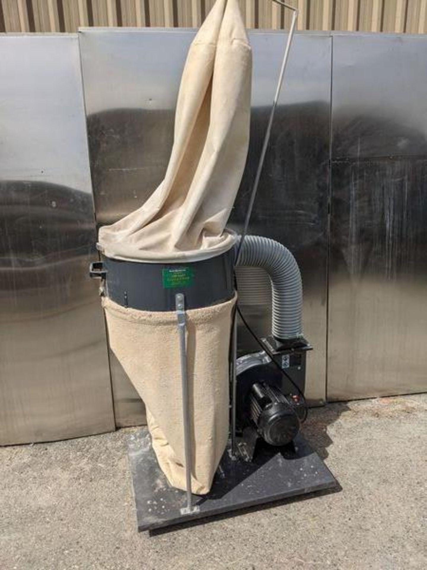 Central Machinery 2hp Dust Collector