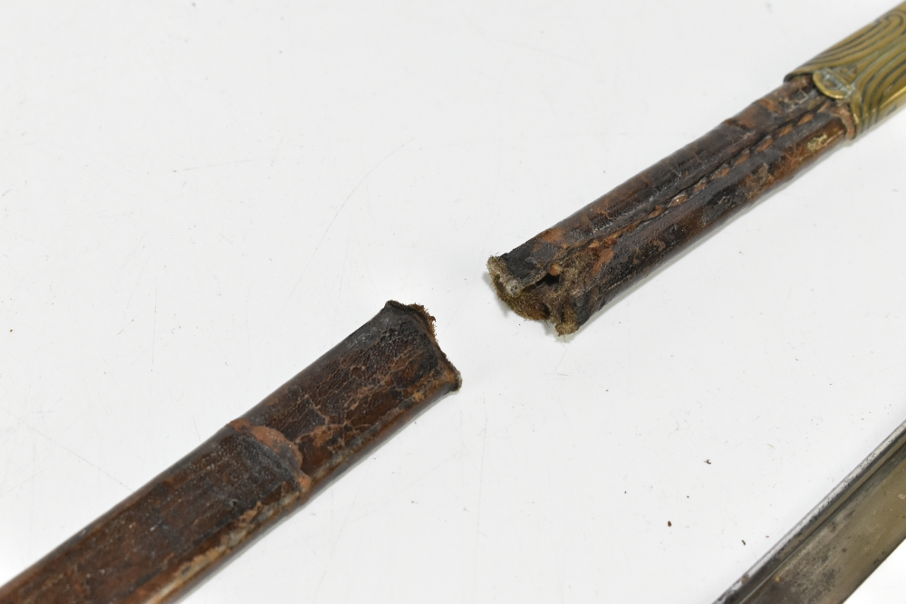 A late 19th/early 20th century Imperial German naval officer's pipeback dress sabre, the blade - Image 3 of 6