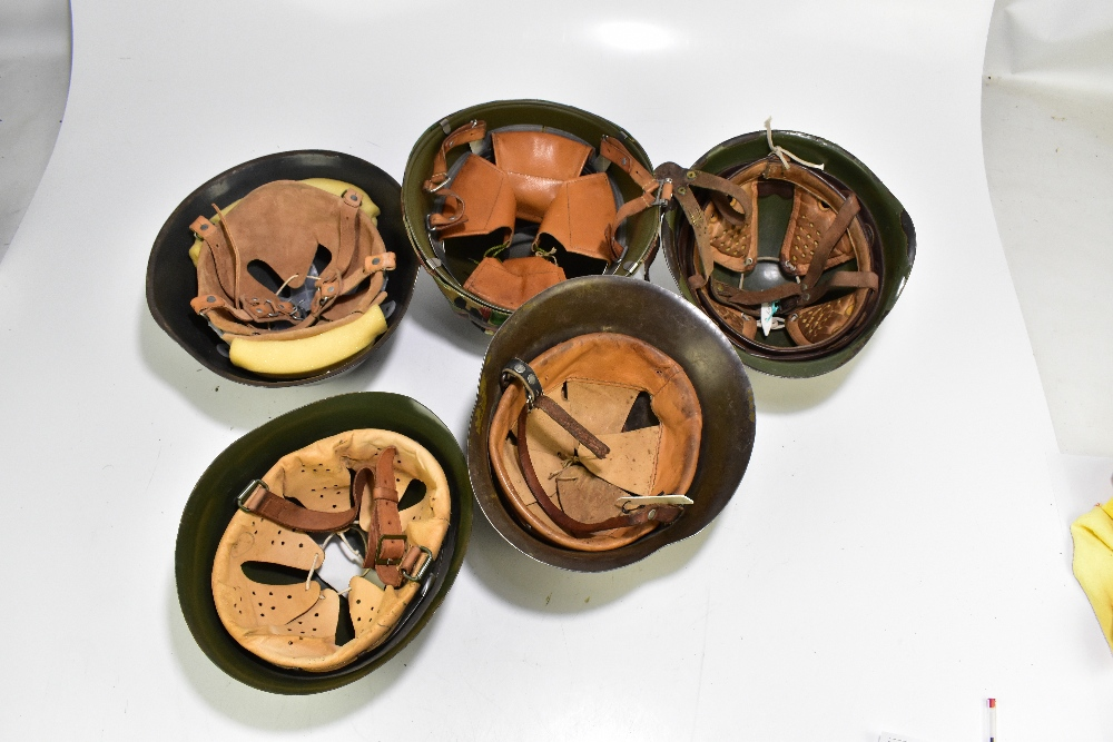 Five military helmets comprising Bulgarian Army M36 B1, Hungarian Army example, Bulgarian Army M51- - Image 2 of 2