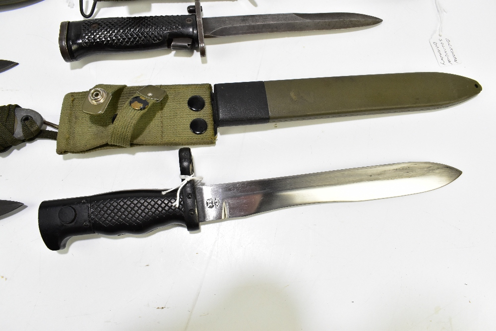 Three US M8 A1 bayonets and a Spanish Cetme 69 bayonet, all with scabbards (4).Additional - Image 5 of 5