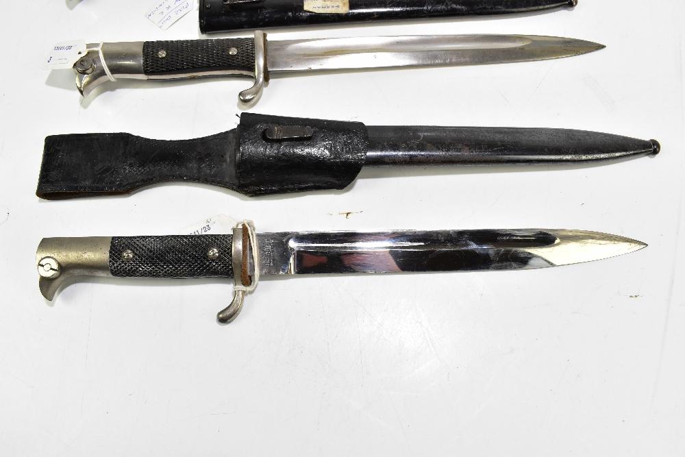 Three German bayonets comprising Alexander Coppel 1887/1930, press bayonet c1920 and c1930 Fire - Image 2 of 4