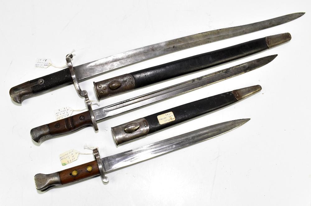 Two British bayonets comprising Lee Metford 1888 Mk I second pattern and S.M.L.E. 1913 Remington,