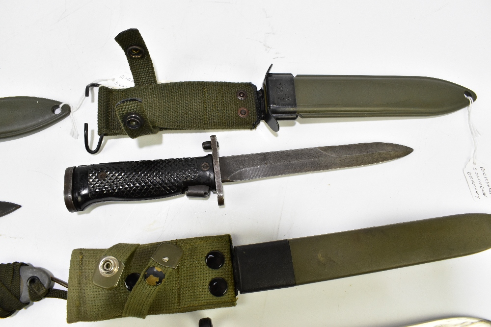 Three US M8 A1 bayonets and a Spanish Cetme 69 bayonet, all with scabbards (4).Additional - Image 4 of 5