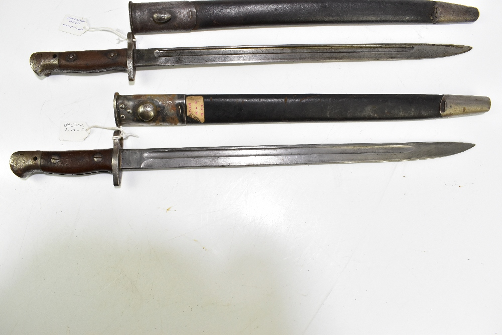 Two British S.M.L.E. 1907 bayonets, one by Sanderson of Sheffield, both with scabbards (2). - Image 2 of 5