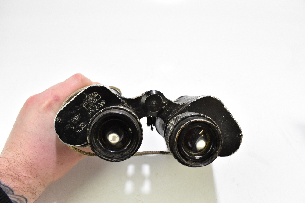 CARL ZEISS; a pair of WWII period Third Reich binoculars, no.16585.Additional InformationLarge areas - Image 4 of 4