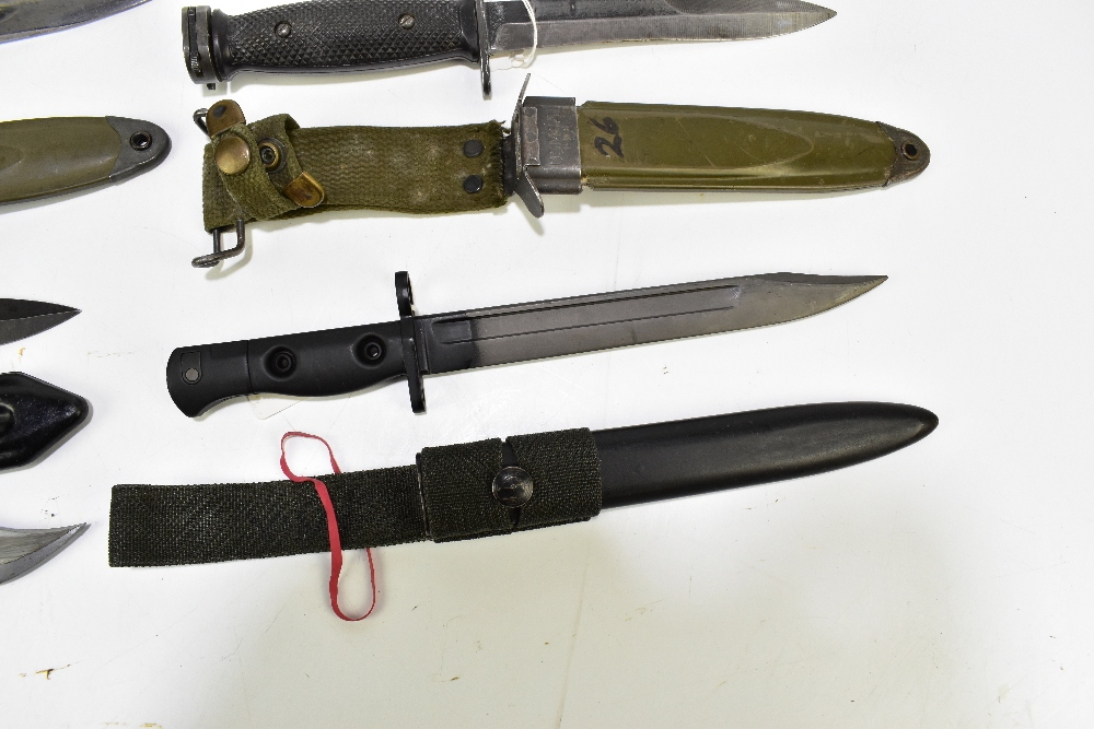 Five bayonets comprising British L1A3 (first type), Chinese AKS 75 (first type), US M4 Turner, M7 - Image 5 of 6