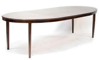 A retro Brahmin mahogany crossbanded oval extending dining table with two additional leaves,