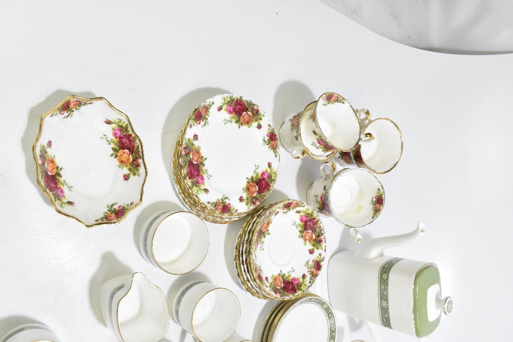 ROYAL ALBERT; a twenty piece part tea set decorated in the 'Old Country Roses' pattern, aRoyal - Image 5 of 7