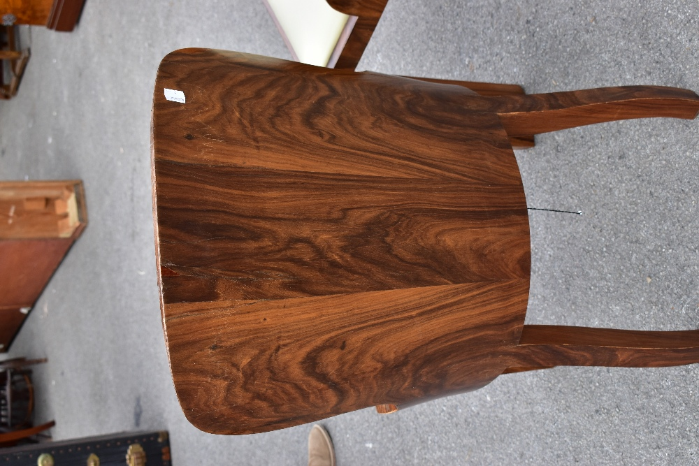 A pair of Art Deco rosewood veneered chairs, with drop-in seats, raised on block supports (2). - Image 4 of 8