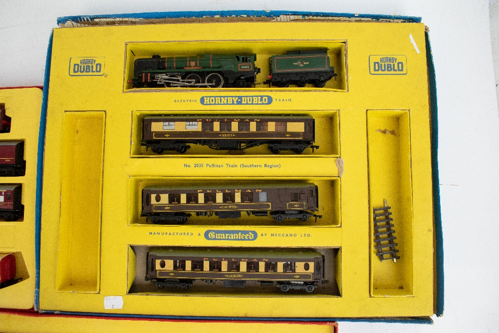 TRI-ANG HORNBY; a two boxed sets comprising RS8 'The Midlander' and RS51 'The Freight Master', - Image 12 of 12