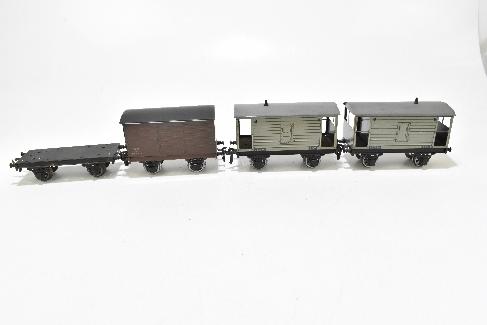BASSETT-LOWKE; two brake vans, a closed van and a possibly Bassett-Lowke flatbed truck (4). - Image 4 of 6