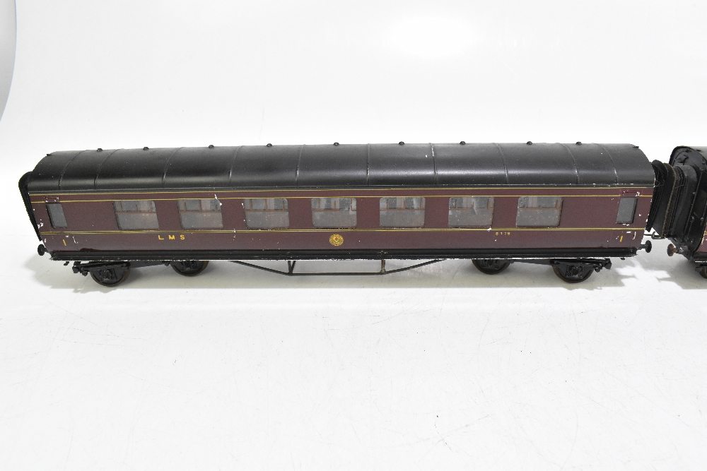 EXLEY FORBASSETT-LOWKE; two LMS coaches comprising a K5 Corridor 1st No.8778 and K6 Brake 3rd No. - Image 4 of 9