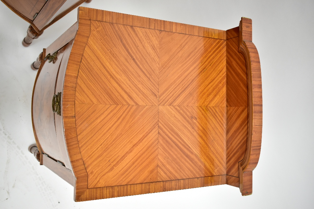 A pair ofEdwardian Sheraton Revival painted satinwood bowfront bedside cabinets, with raised - Image 3 of 13