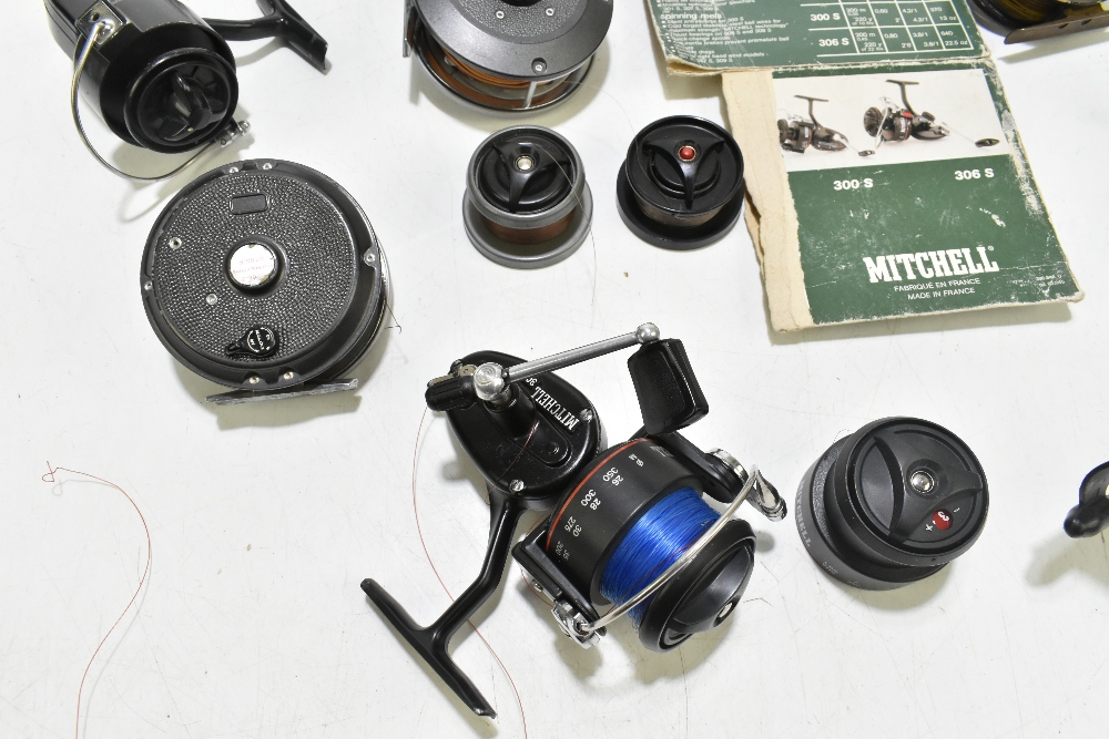 A collection of fly and spinning reels to include Rimfly II, C Farlow & Co Holdfast example, etc ( - Image 3 of 5