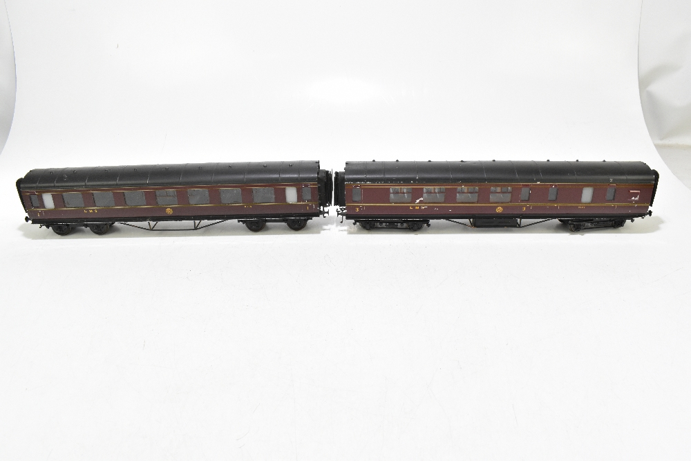 EXLEY FORBASSETT-LOWKE; two LMS coaches comprising a K5 Corridor 1st No.8778 and K6 Brake 3rd No. - Image 5 of 9