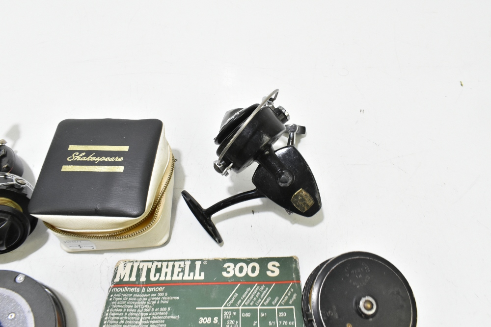 A collection of fly and spinning reels to include Rimfly II, C Farlow & Co Holdfast example, etc ( - Image 5 of 5