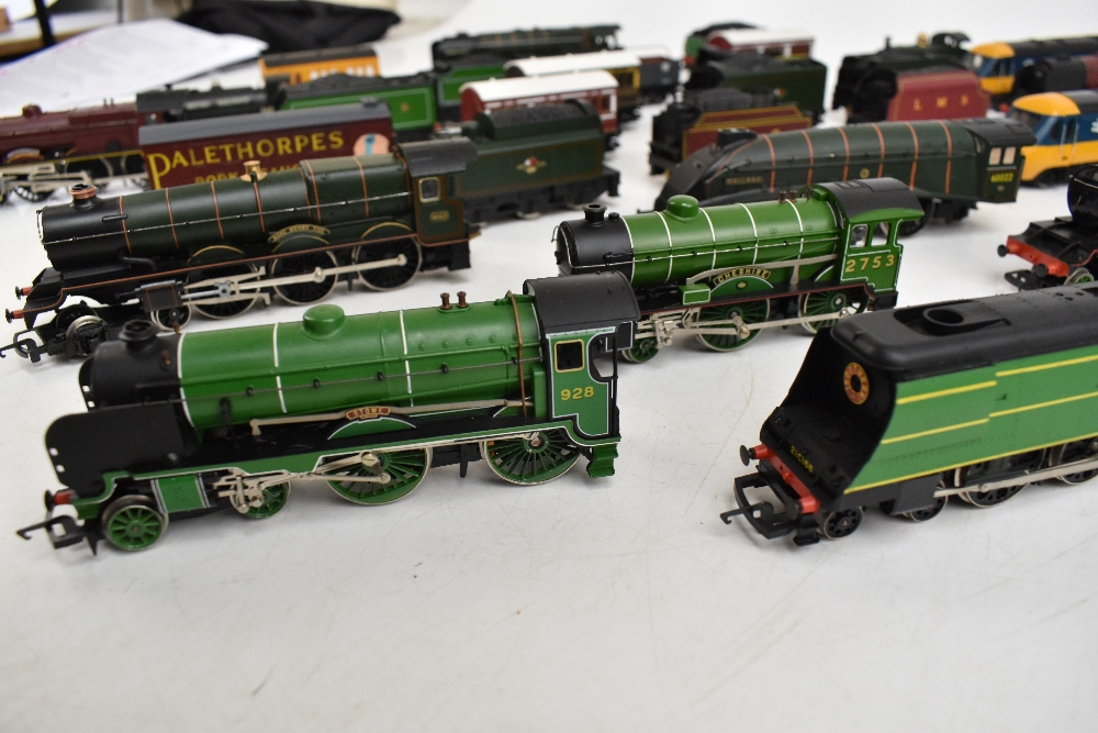 HORNBY; a group of loose model railway comprising sixteen various sized locomotives including - Image 4 of 10