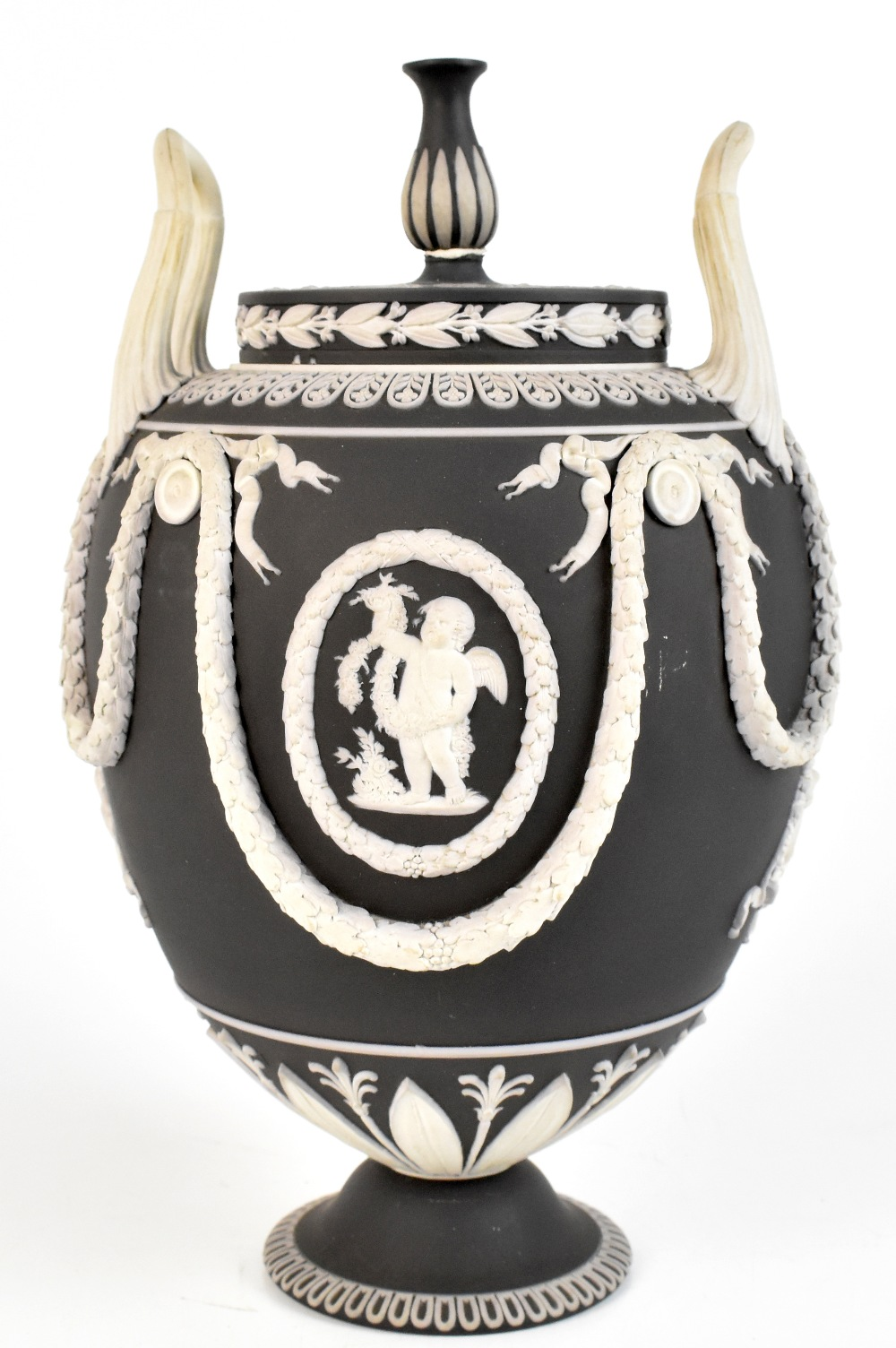 WEDGWOOD; a good 19th century large black and white jasper dip jar and cover with high looped